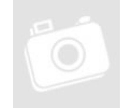 Egymás csuklóját fogó kezek